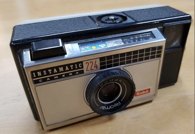 Aparat foto vintage kodak instamatic 224