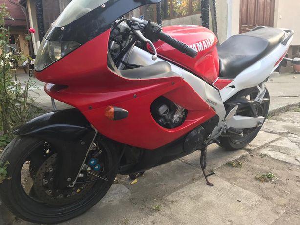Yammaha 600 R