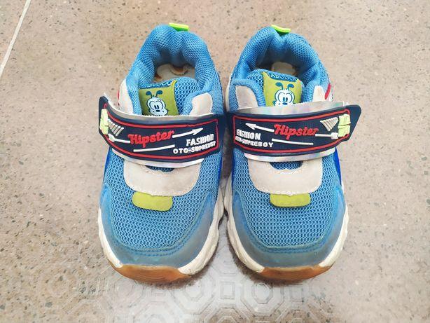 Детские кроссовки, 24 размер