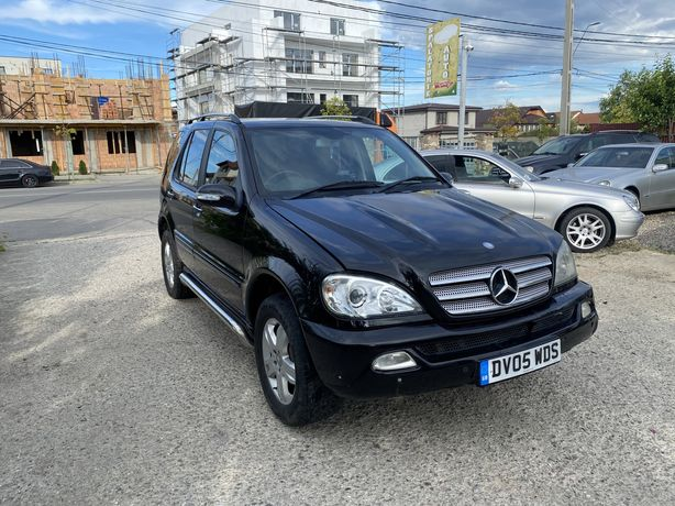 Dezmembrez Mercedes Ml270 Special Edition