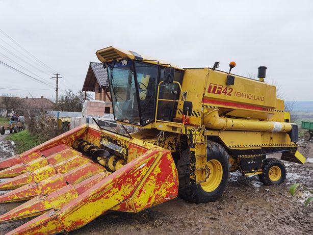Combina New Holland Tf42