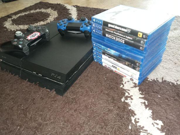 Playstation 4, 2 джойстика ,10 игр,все шнуры есть,лан кабель есть.