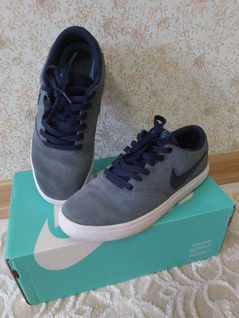 Nike SB голубого цвета