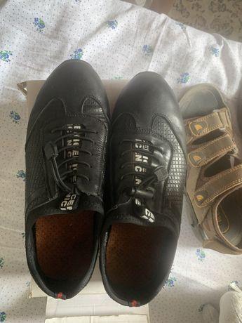 Продам обувь для мальчика 36-37 р.