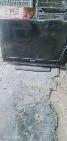 Срочно продам телевизор на запчасти