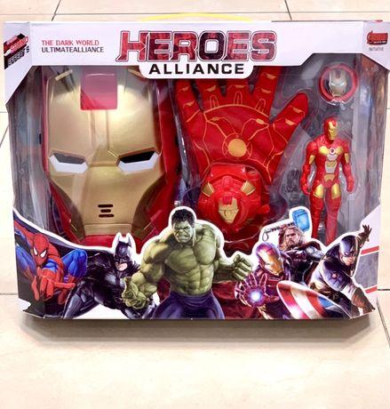 Маски/Фигури  Avengers ,Спайдермен,Хълк,Железният човек ,Трансформър