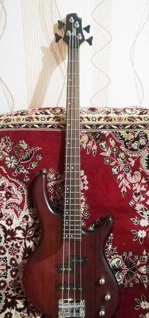 Продам бас гитару Cort 4 струнная