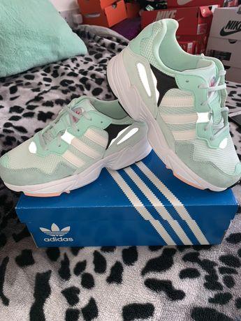 Adidas dama