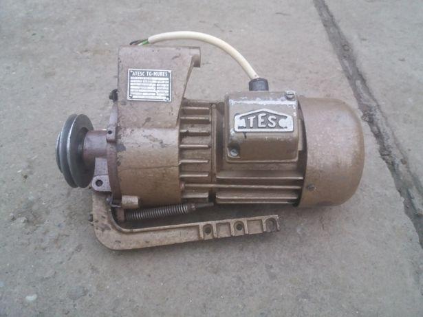 Motor mașina de cusut