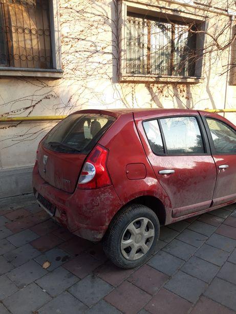 Dezmembrez Dacia Sandero1,6 benzina 2009