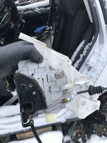 Incuietoare si manere VW Passat B6