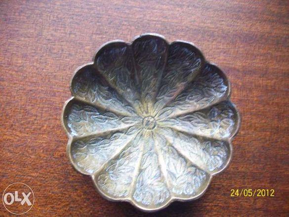 стара бронзова чинийка