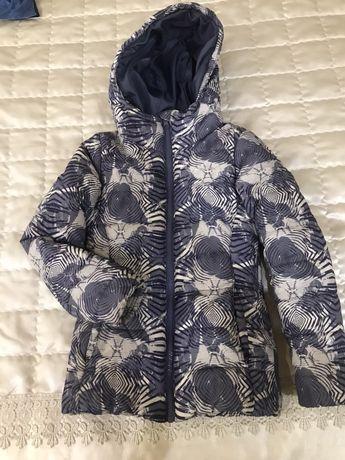 Осенняя курточка на девочку 122-128 размер