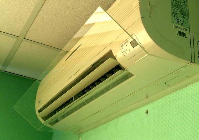 Экран, отражатель холодного воздушного потока из кондиционера.