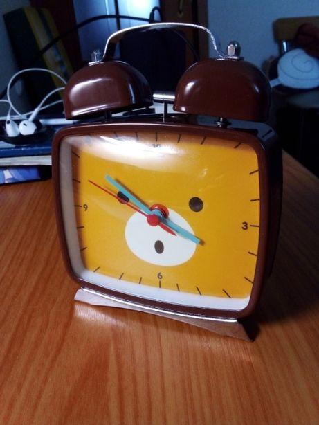 Продам часы Artbox