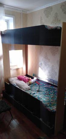 Продам 2 ярусную кровать.