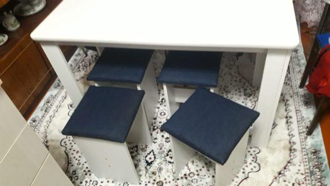 Продам кухонный стол новый