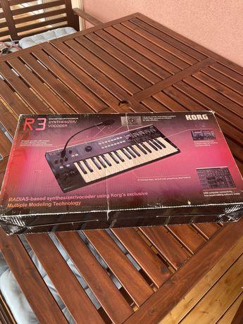 Korg synthesizer vocoder r3