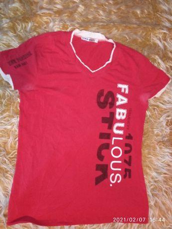 НАМАЛЕНИЕ! Модерни, запазени тениски, суитшърти и анцузи по 5 и 10лв..