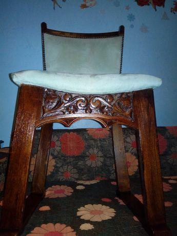 Set 6 scaune/ Jilturi antice sculptate lemn și capitonate piele