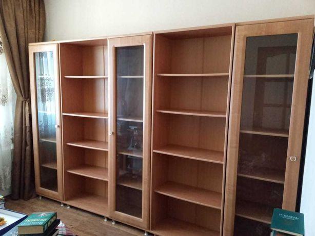 Продаются шкафы для книг