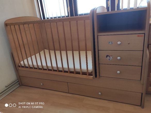 Продавам Трансформиращо се легло - люлка 3 в 1- Бертони/Лорели