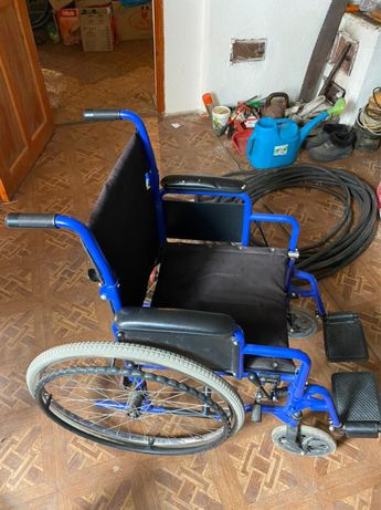 Продам кресло коляску для инвалидов