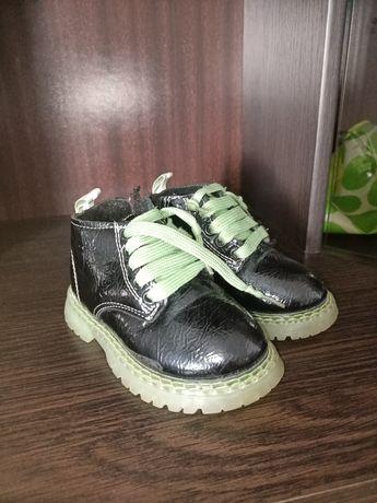 Продам ботинки с мехом 22 р