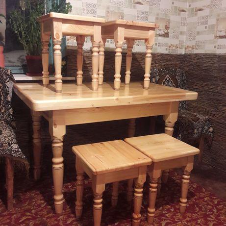 Кухонные и гостинные столы