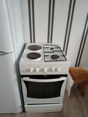 Срочно продам газовую плиту, духовка электрическая, два больших листа