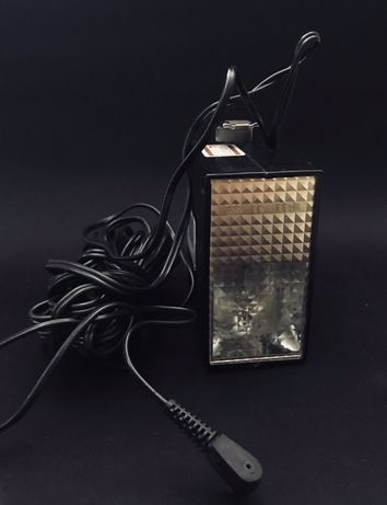 Светкавица NORMA FIL 11 и зарядна кутия