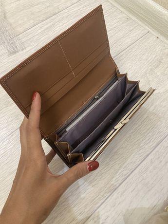 Продаются сумки и кошельки. Новые, качественная кожа. Цены от 6000тг