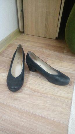 Туфли продам замшевые
