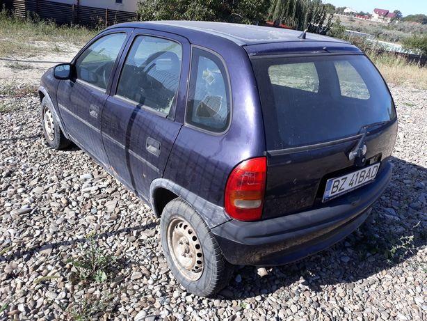 Dezmembrez Opel Corsa 1.4i 1997
