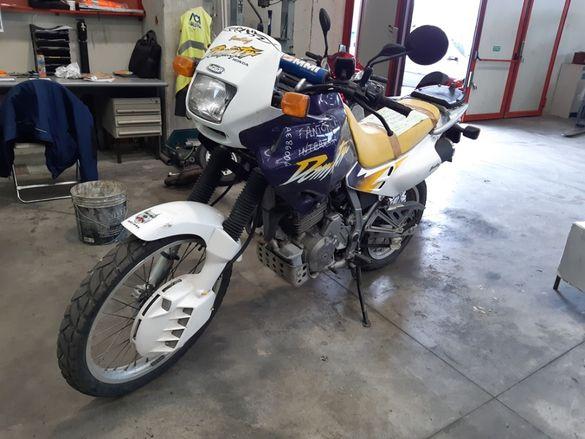 Мотоциклет Хонда ДОМИНАТОР 650(HONDA NX DOMINATOR(650)-На части