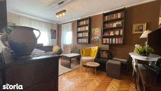 Apartament cu 4 camere de vânzare în Manastur