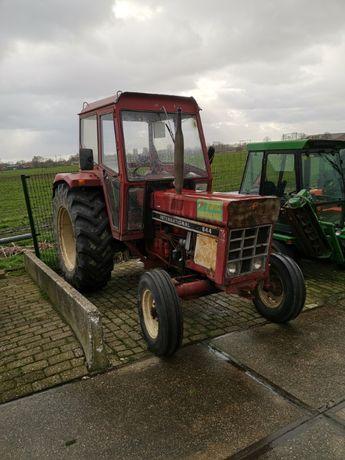 Dezmembrez Tractor Case international 633