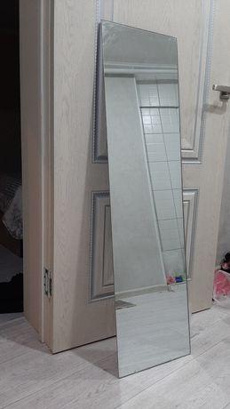 Зеркало в хорошем состоянии