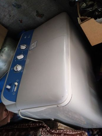 Продам полуавтоматичесскую стиральную машину