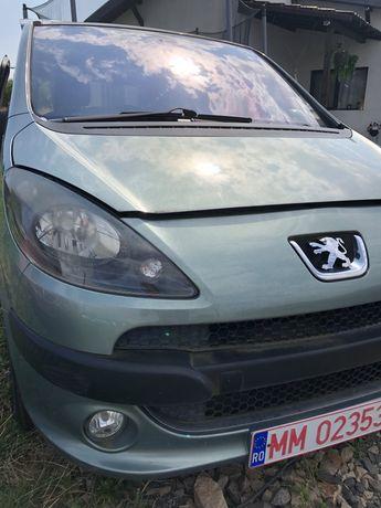 Dezmembrez Peugeot 1007, an fabricatie 2005, motor 1,6 benzina