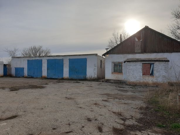 Административное здание, гараж боксы, подсобное помещение
