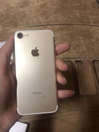 Iphone 7 32 gb(много запазен)