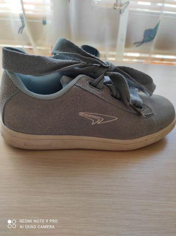Детски велурени обувки