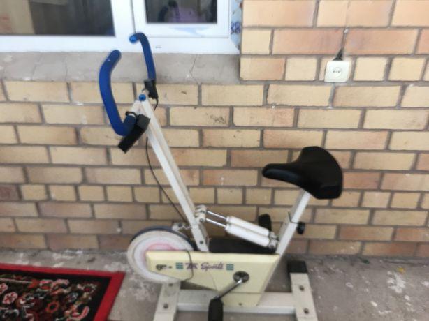 Продам срочно велотренажер