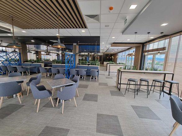 Обзаведен, панорамен ресторант в логистична база