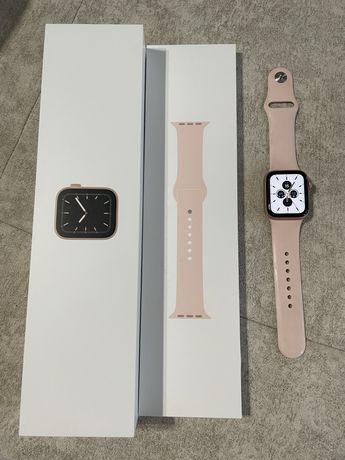 Часы Apple Watch 5 40mm
