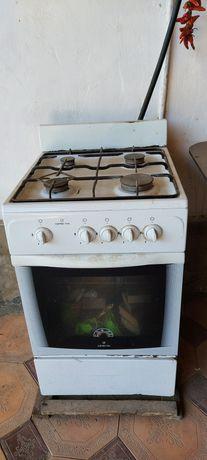 Газ плита в белом цвете