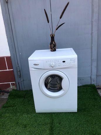 Продам стиральную машину Whirpool