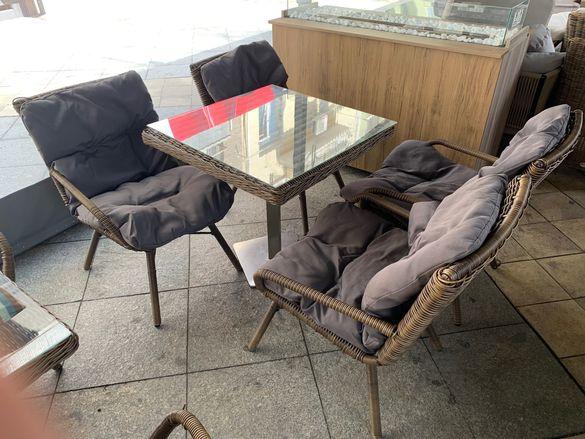 Ратанови столове с маса
