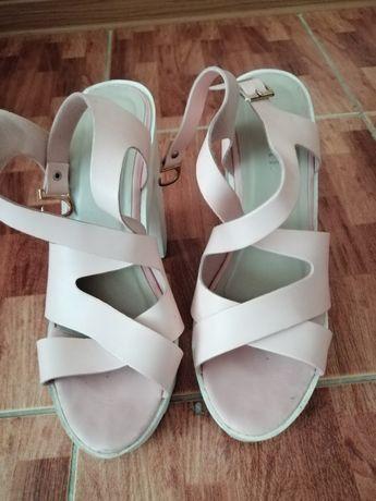 Обувь женская туфли сапоги